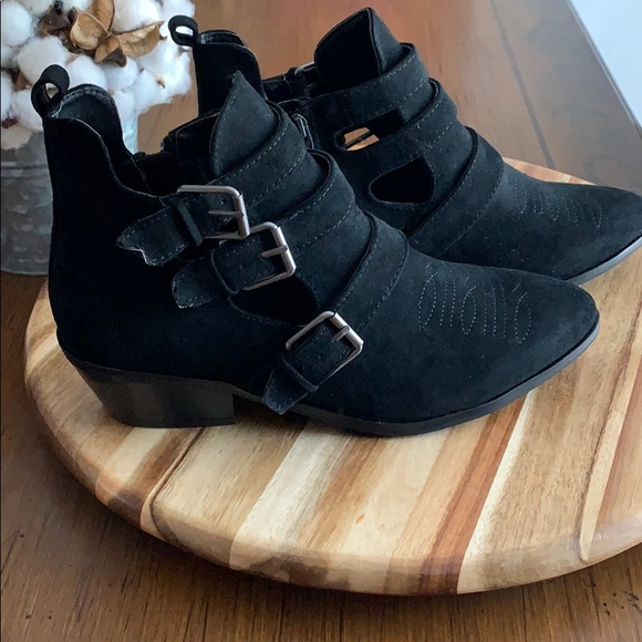 Universal Thread Shoes - Universal Thread Goods Co. Kelsey Boots